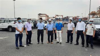 Lãnh đạo Công ty kiểm tra hoạt động sản xuất kinh doanh tại Chi nhánh Cảng Tân Vũ