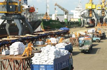 Ký kết quy chế phối hợp đảm bảo an ninh trật tự tại Cảng Hoàng Diệu
