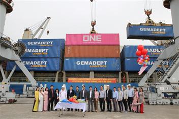 Cảng Hải Phòng đón những chuyến tàu cuối năm 2018