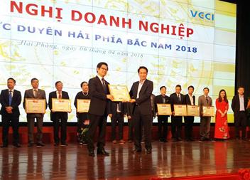 Cảng Hải Phòng đón nhận Bằng khen của Phòng Thương mại và Công nghiệp Việt Nam
