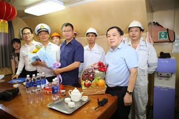 Đoàn công tác của Bộ Lao động - Thương binh và Xã hội và Cục Hàng hải Việt Nam làm việc tại Công ty cổ phần Cảng Hải Phòng