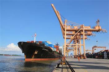 Tàu Container AS RAFAELA chuyến đầu tiên tuyến dịch vụ SHX cập Cảng Tân Vũ
