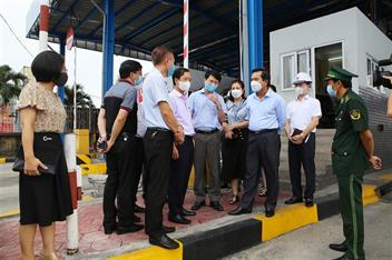 Đoàn công tác của thành phố và quận Hải An kiểm tra công tác phòng, chống dịch bệnh Covid-19 tại Chi nhánh Cảng Tân Vũ (Cảng Hải Phòng)