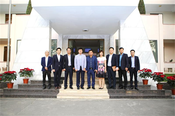 General Director of Heung-A Shipping Vietnam Co., Ltd visits and works at Hai Phong Port
