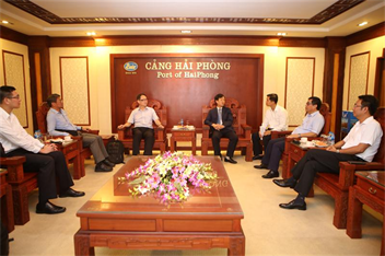 Wan Hai Lines delegation visits Port of Hai Phong